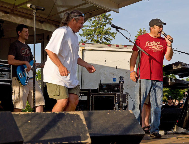 7-6-11_Lake_George_Johnny_Holm_belting_out_a_song__LR_PE10__excel