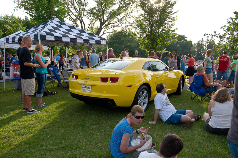 7-6-11_Lake_George_Johnny_Holm_people_checking_out_raffle_car__LR_PE10__vg