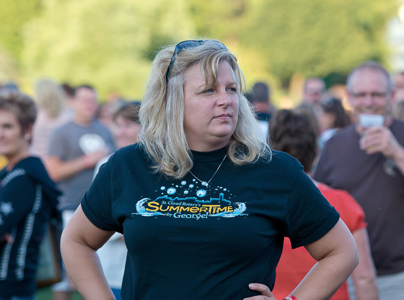 Rotary_Lake_George__lady_with_Summertime_TShirt_LR_PE10_vg_